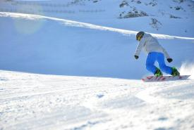 club holiday snowboarding